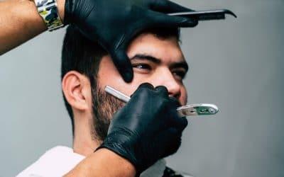 L'art du rasage à l'ancienne chez le barbier